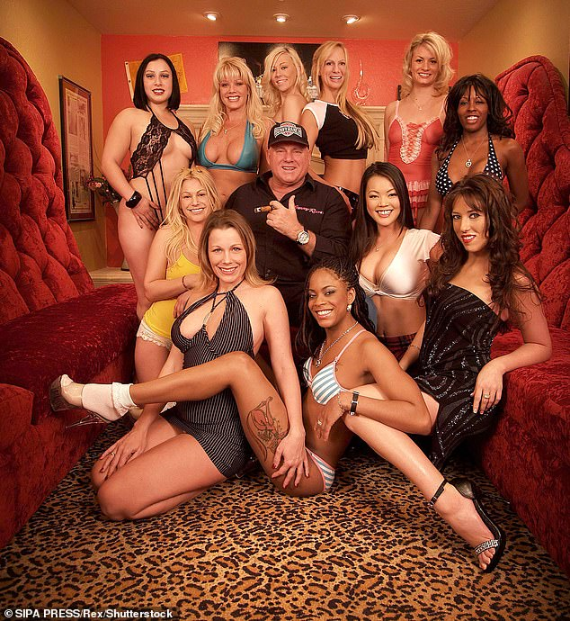 Naked women of the bunny ranch